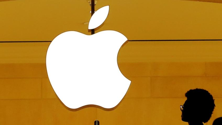 Apple Said to Face EU Antitrust Charge Over NFC Chip