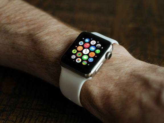 watchOS 3.2 Set to Add Theater Mode, SiriKit for Third-Party Integration