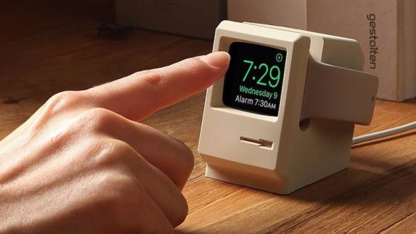 Elago W3 Apple Watch Stand Turns Your Smartwatch Into a Macintosh