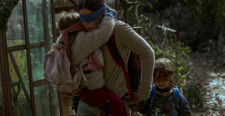 Netflix يحذر المستخدمين من أن يؤذوا أي شخص من قبل Blindfolding forBirdBoxChallenge 1