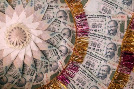Demonetisation: Prasad, Goyal Discuss Strategy to Boost Cashless Transactions