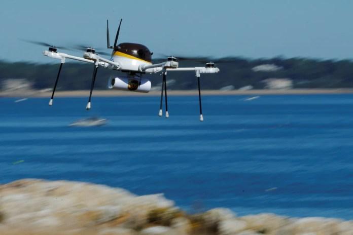 drone reuters 1609217057796 यूएस को छोटे ड्रोन को लोगों और रात में उड़ान भरने की अनुमति देने के लिए
