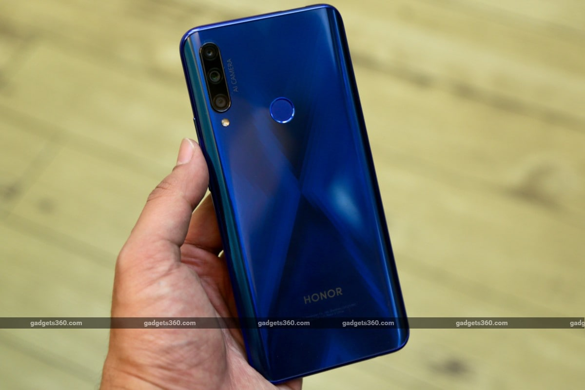 honor 9x fi back in hand gadgets 360 Honor 9X