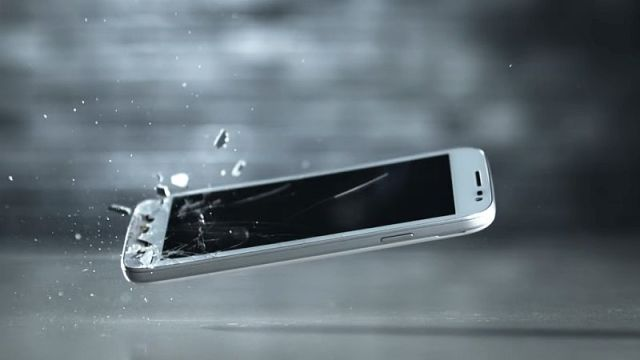 New 'Miracle Material' Could Make Cracked Phone Displays a Thing of the Past