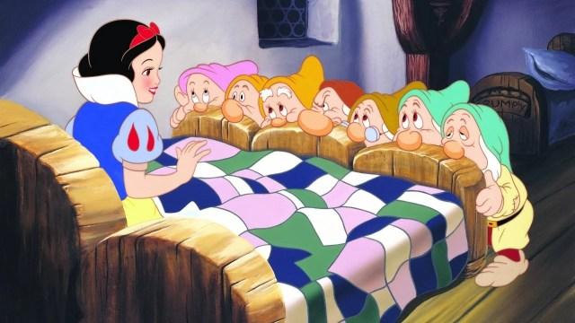snow white seven dwarfs 1525344205986 - 100 Best Movies on Netflix in India