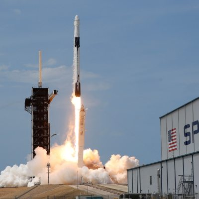 SpaceX Asked by NASA to Halt Lunar Lander Work Pending Contract Challenges