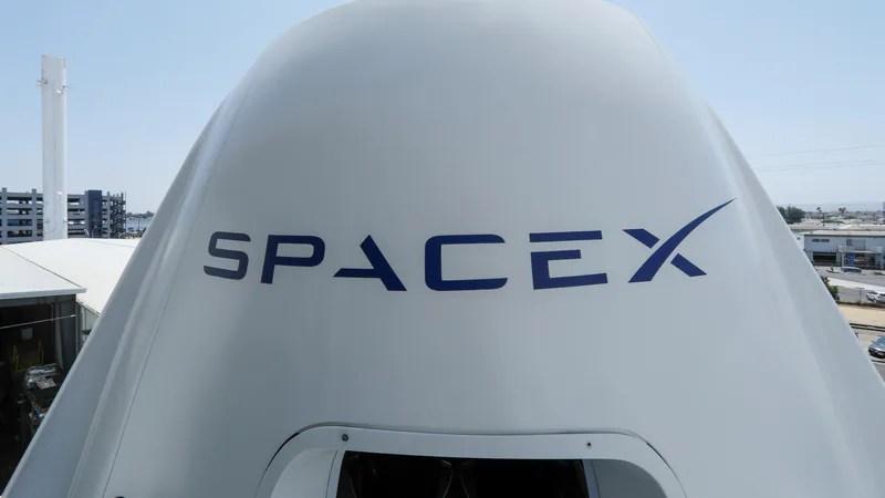Elon Musk يعيد تسمية BXR Rocket في رحلة بين الكواكب