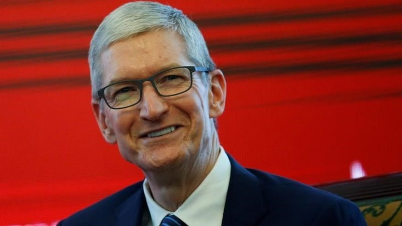 Tim Cook Spotted Testing Apple Watch-Based Glucose Monitor: Report
