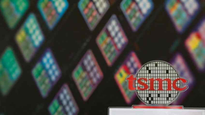 Apple Supplier TSMC Says Worldwide Chip Shortage Will Continue in 2022