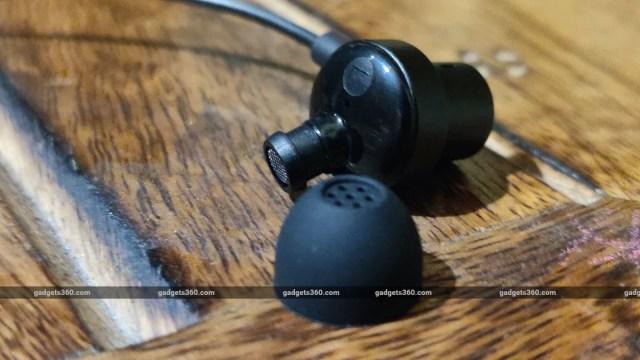 xiaomi mi dual driver earphones review eartip Xiaomi