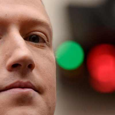 Mark Zuckerberg Downplays Risk of Apple's Privacy Policy Changes
