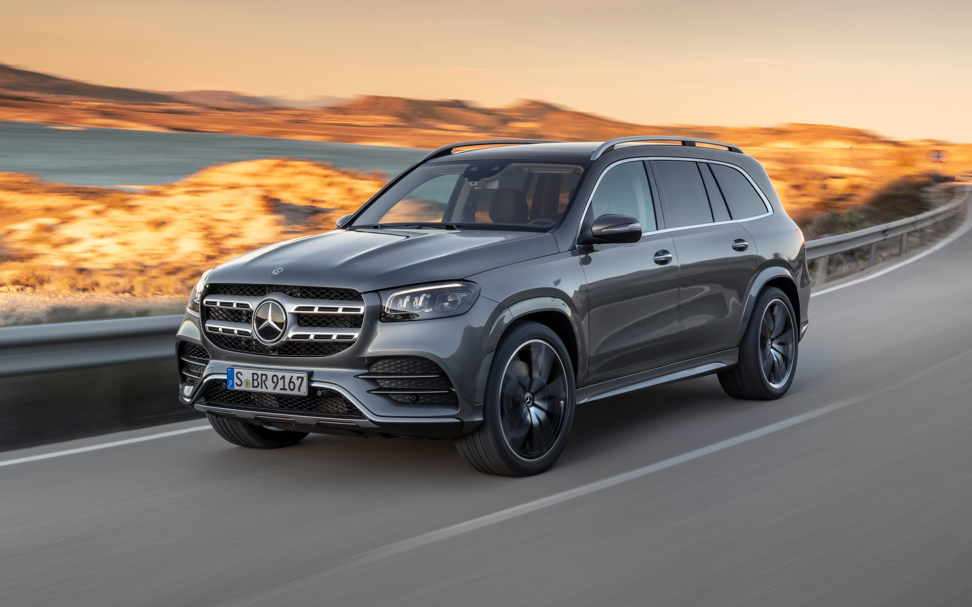 Suv With Captain Chairs 2020 Mercedes Benz Gls Unveiled In New York The Car Guide