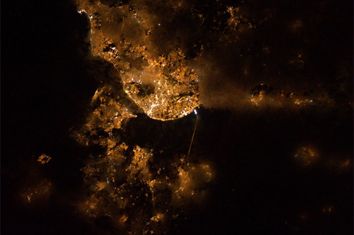 Lisbon_by_night_node_full_image_2.jpg
