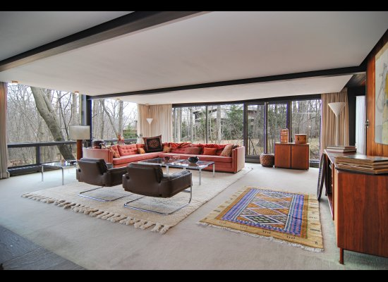 Interior shot of Camerons house in Ferris Buellers Day Off - image from Huffington Post