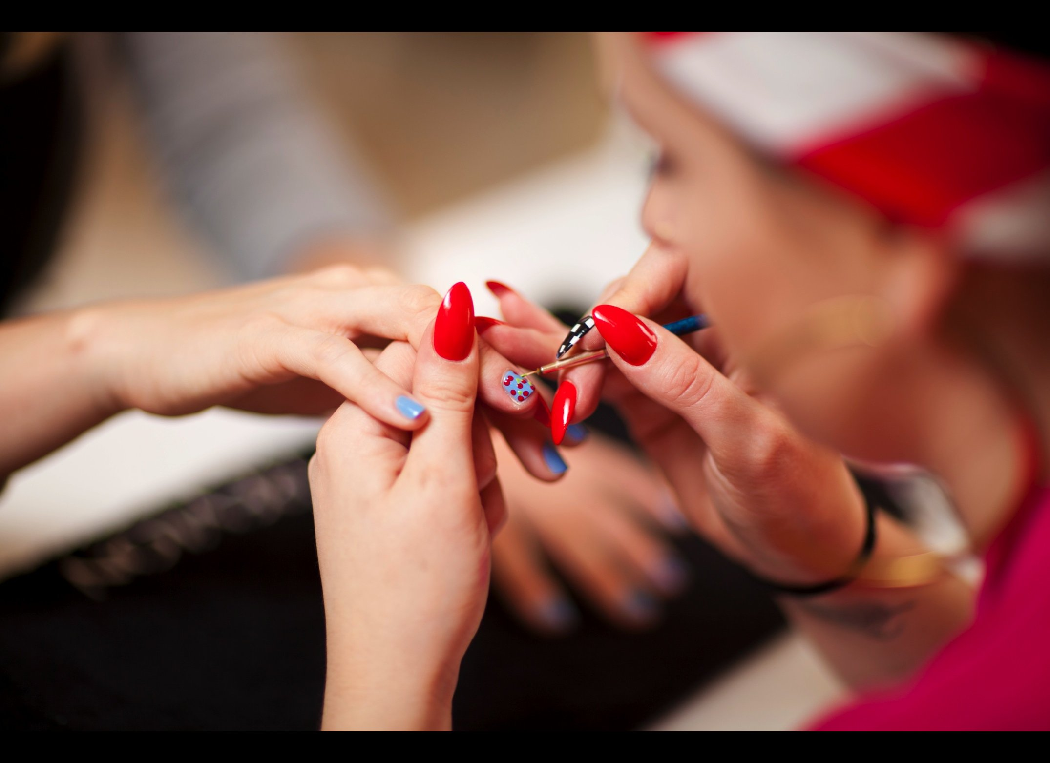 A Lesson In S Nail Art From Revlon S Jenny Longworth