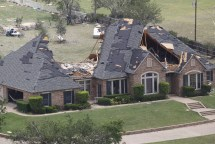 Texas Tornadoes Twisters Damage Homes Dallas-fort
