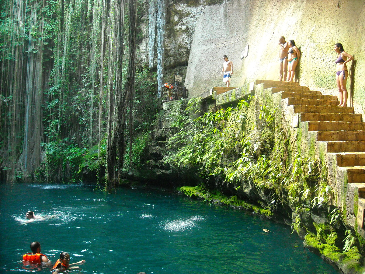 The Stunningly Beautiful Natural Pool of Lotofaga  Wow