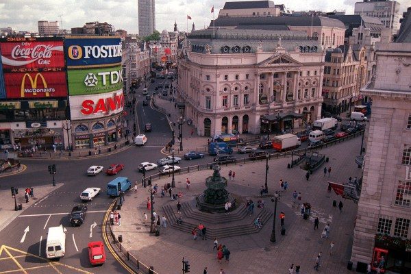 Extraordinary Transformation Of Piccadilly Circus In