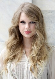 taylor swift's hair