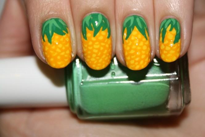 15 Super Cool Tropical Nail Art Designs For Summer