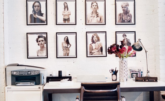 14 Blank Wall Ideas You Haven T Thought Of Photos Huffpost