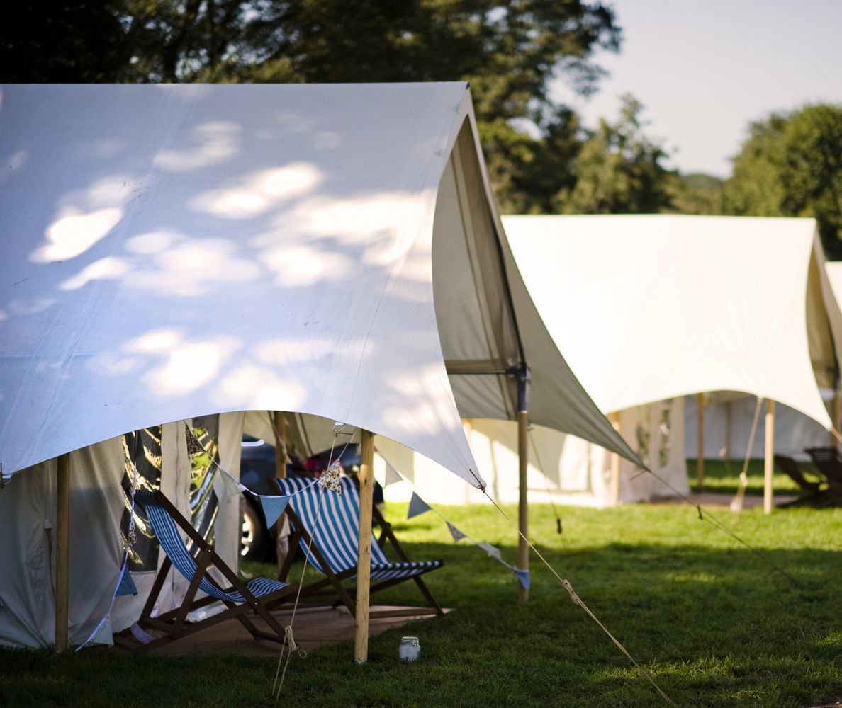 Glastonbury Festival's 'Pop-Up Hotel' Makes Us Actually Consider Camping   HuffPost