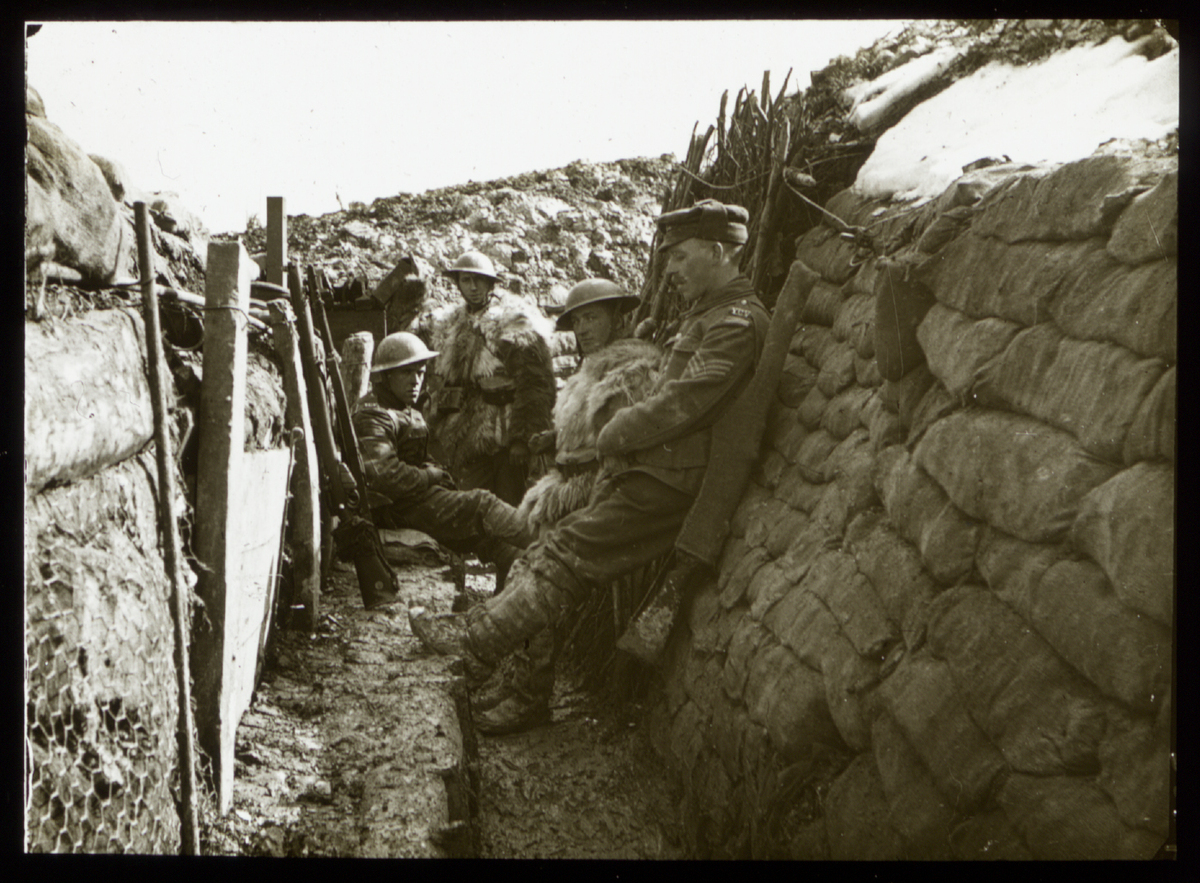 First World War Pictures Show Life In The Trenches
