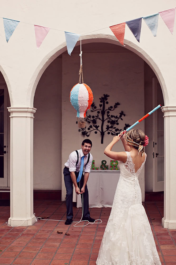 Fun Wedding Idea-pinata