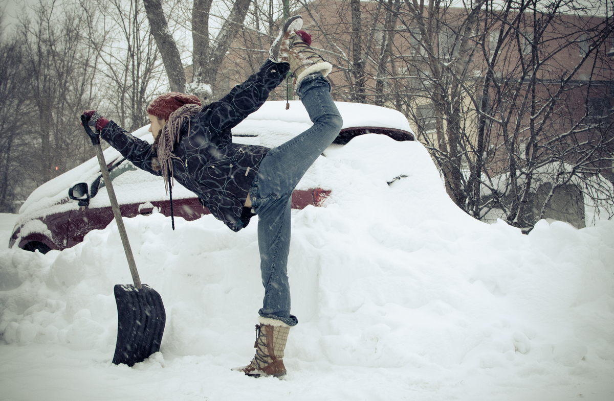 Yoga In The Snow Proves Its Never Too Cold To Get