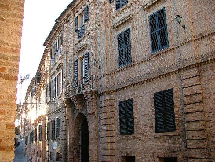 Maltempo a Recanati danneggiata Casa Leopardi Problemi al tetto e alle decorazioni a tempera