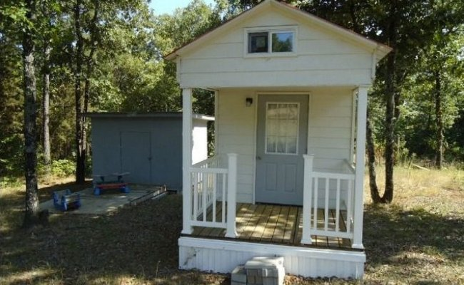 Tiny Home For 23 000 In Dover Arkansas Measures Only 128