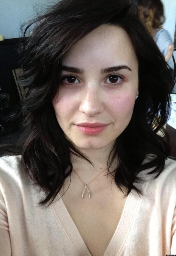 Demi Lovato Makeup Singer Tweets Fans 'stop Filters ' Gorgeous Au Naturel