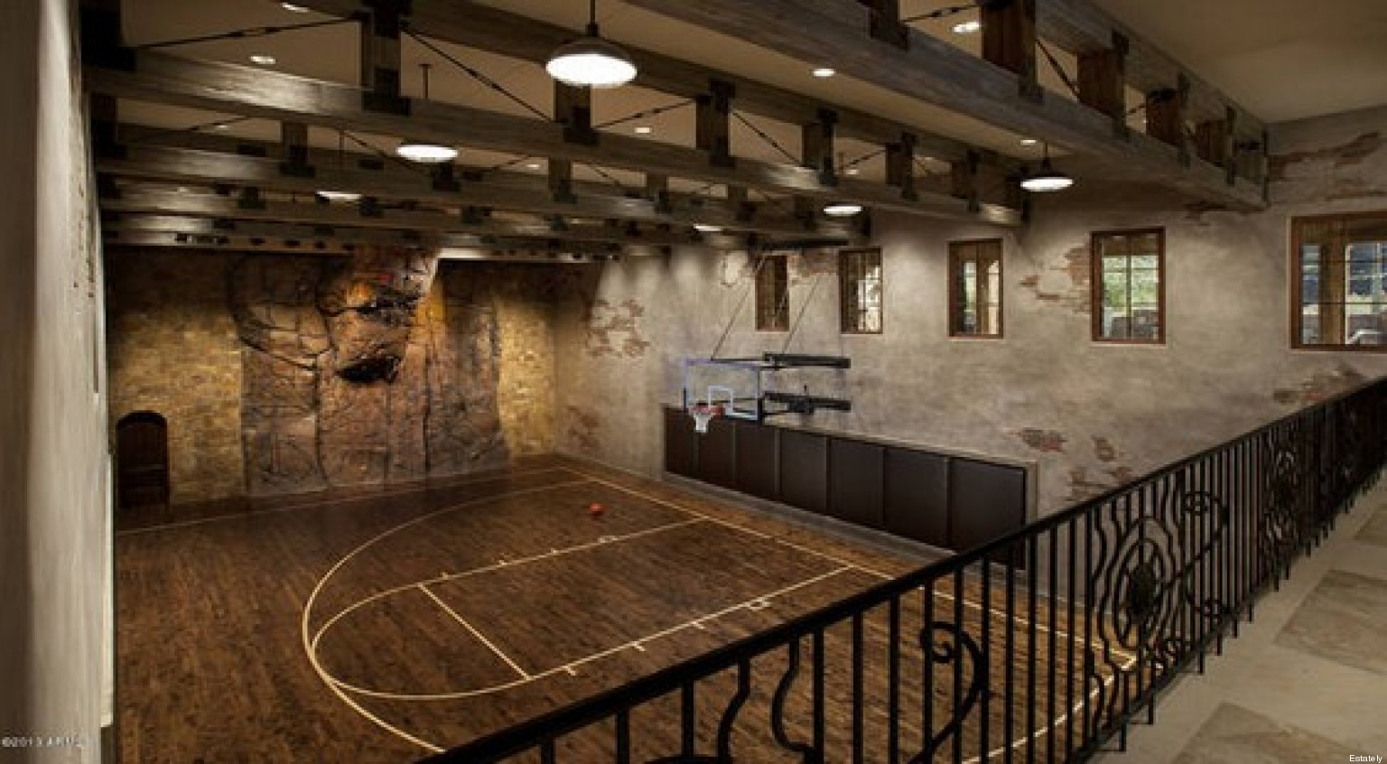 Luxe Et Insolite 16 Terrains De Basket De Luxe Dans Des