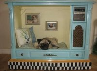 A TV Set-Turned-Dog House Proves That Anything Can Be ...