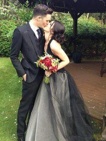 Shenae Grimes Wedding Dress
