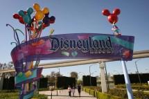 Disneyland Explosion Prompts Toontown Evacuation Huffpost