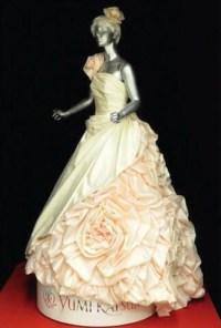 Glow-In-The-Dark Wedding Dress Created By Designer Yumi ...