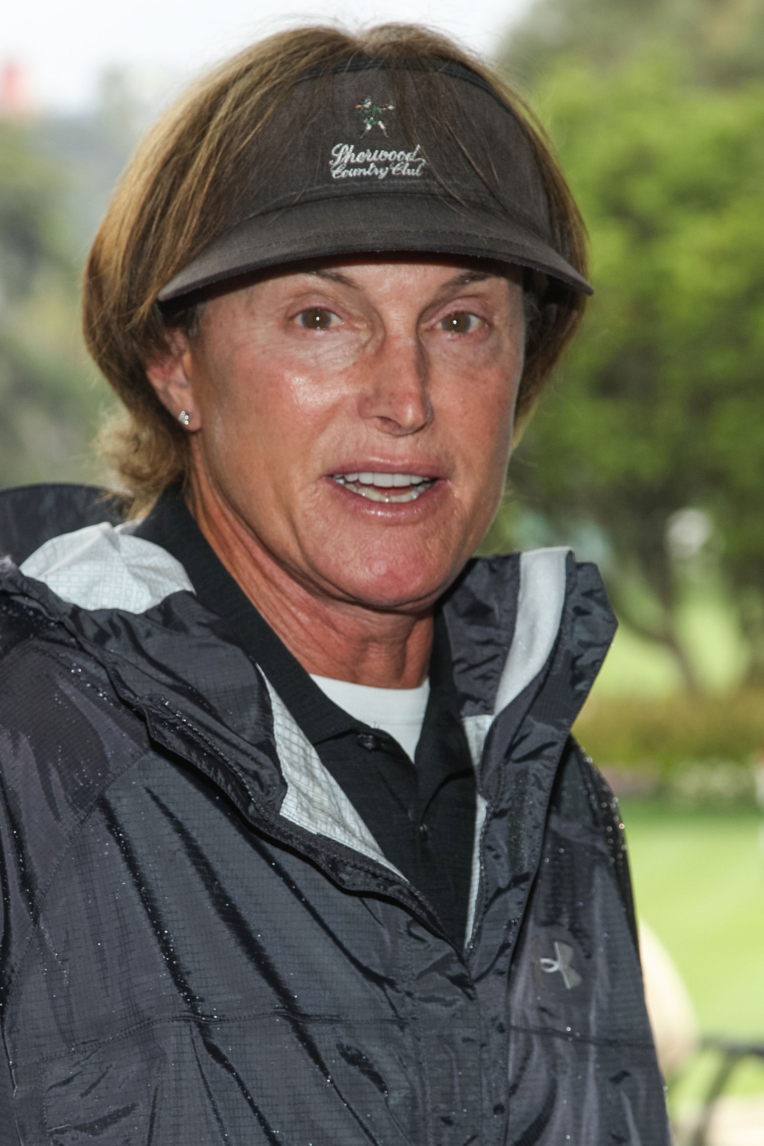 https://i0.wp.com/i.huffpost.com/gen/1222935/thumbs/o-BRUCE-JENNER-UNHAPPY-facebook.jpg