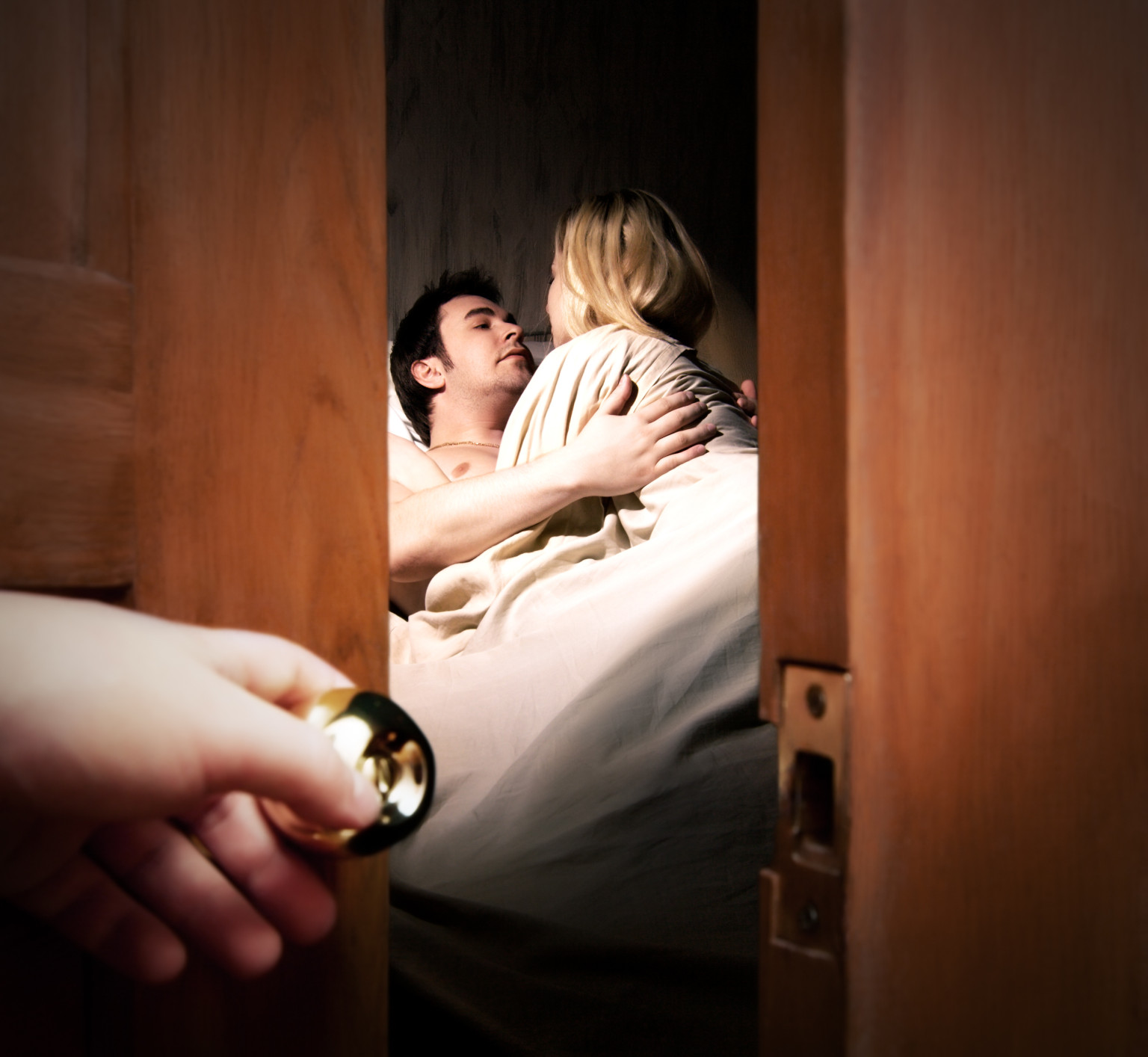 Cheating Signs: 10 Classic Signs Your Spouse May Be ...