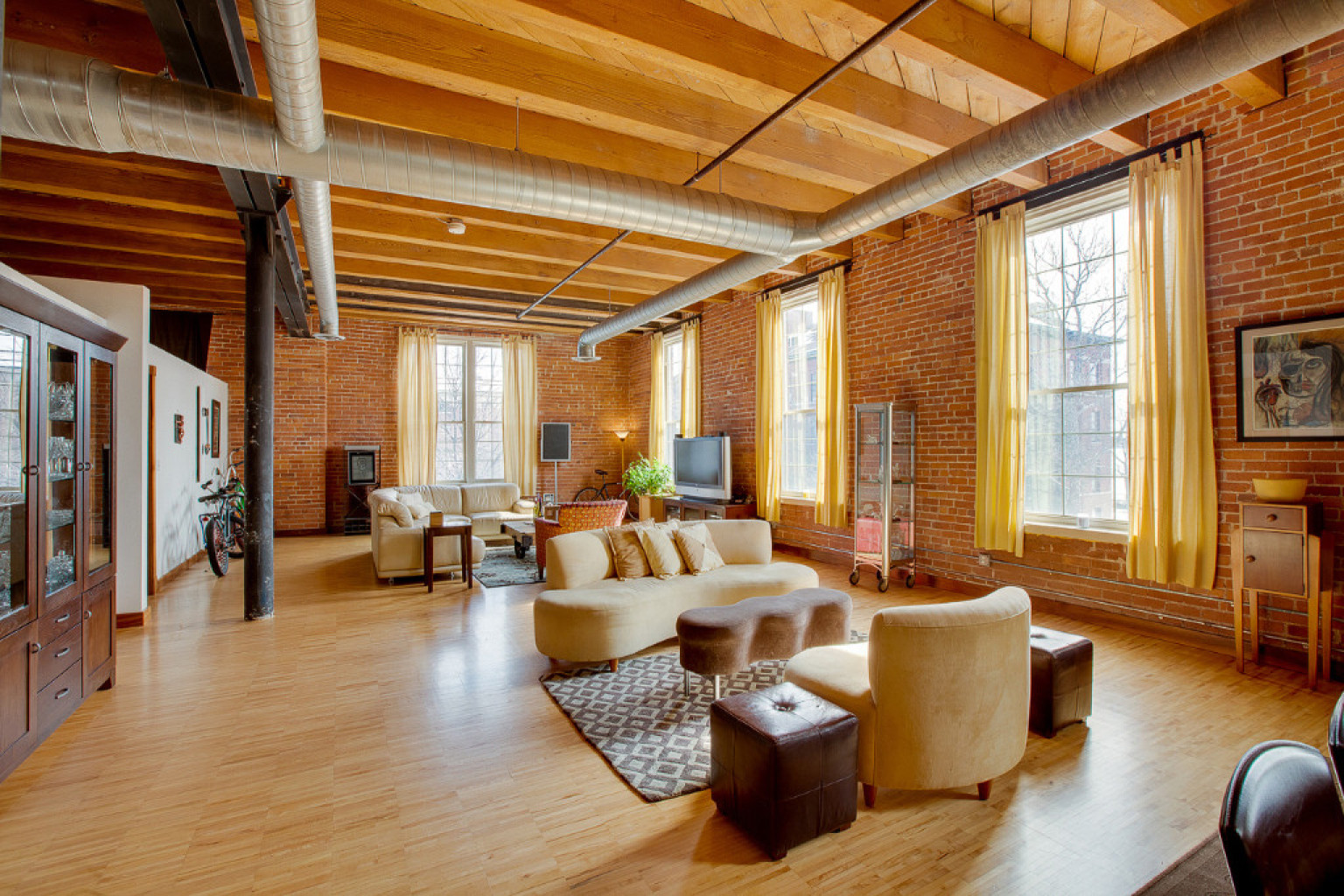 Detroit Lofts Range From Stunningly Luxurious To Affordable But Get One While You Can PHOTOS