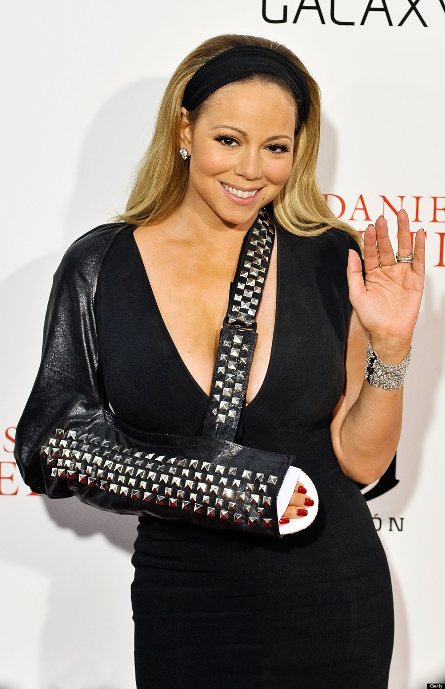 Mariah Carey Makes Arm Sling Chic ' Butler