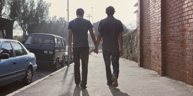Cute Couple Holding Hand Wallpaper Coming Out Of The Closet 12 People Who Should Always Know