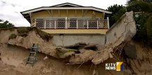 Two Hawaii Beaches Unprecedented Erosion Huffpost