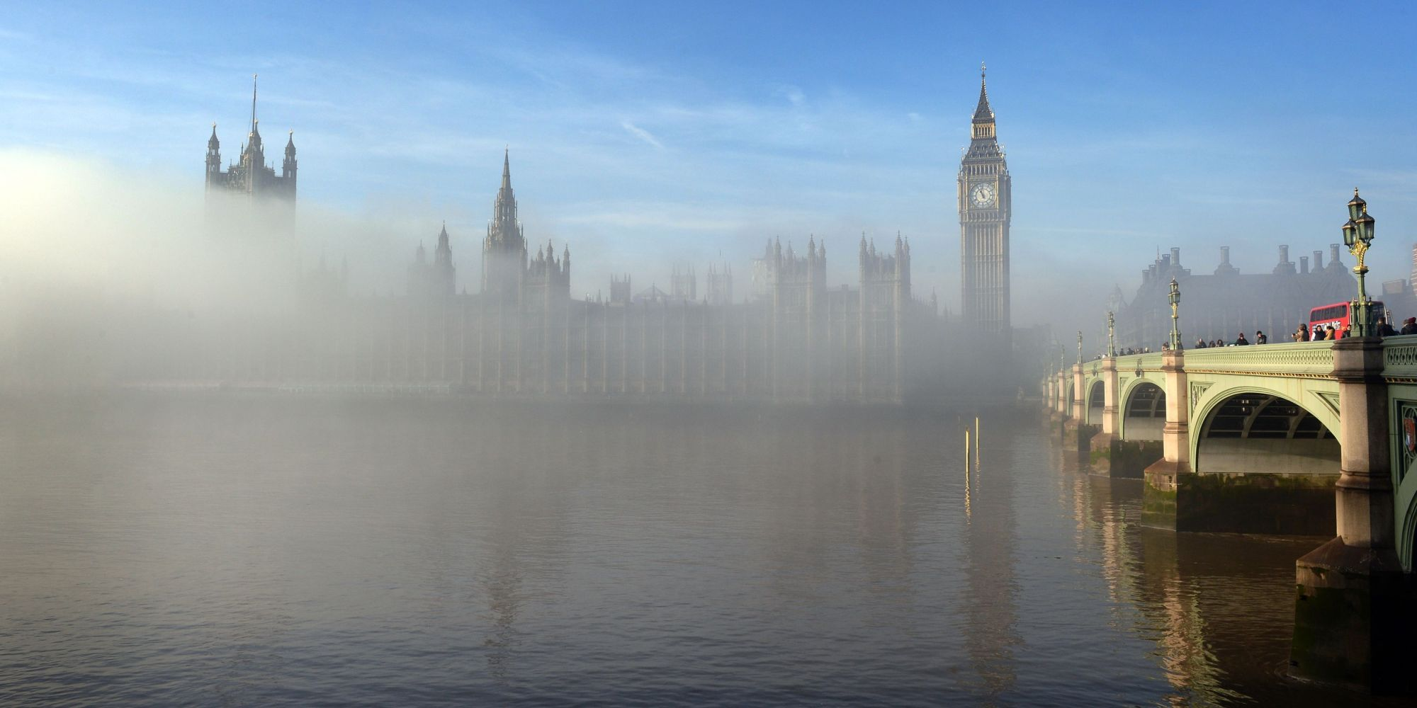 Foggy London Is Really Really Creeptastically Beautiful