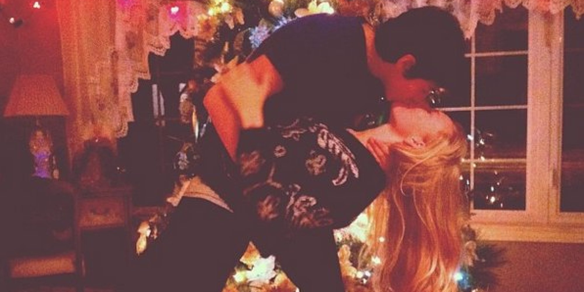 11 Signs Christmas Brings Out The Love In All Of Us