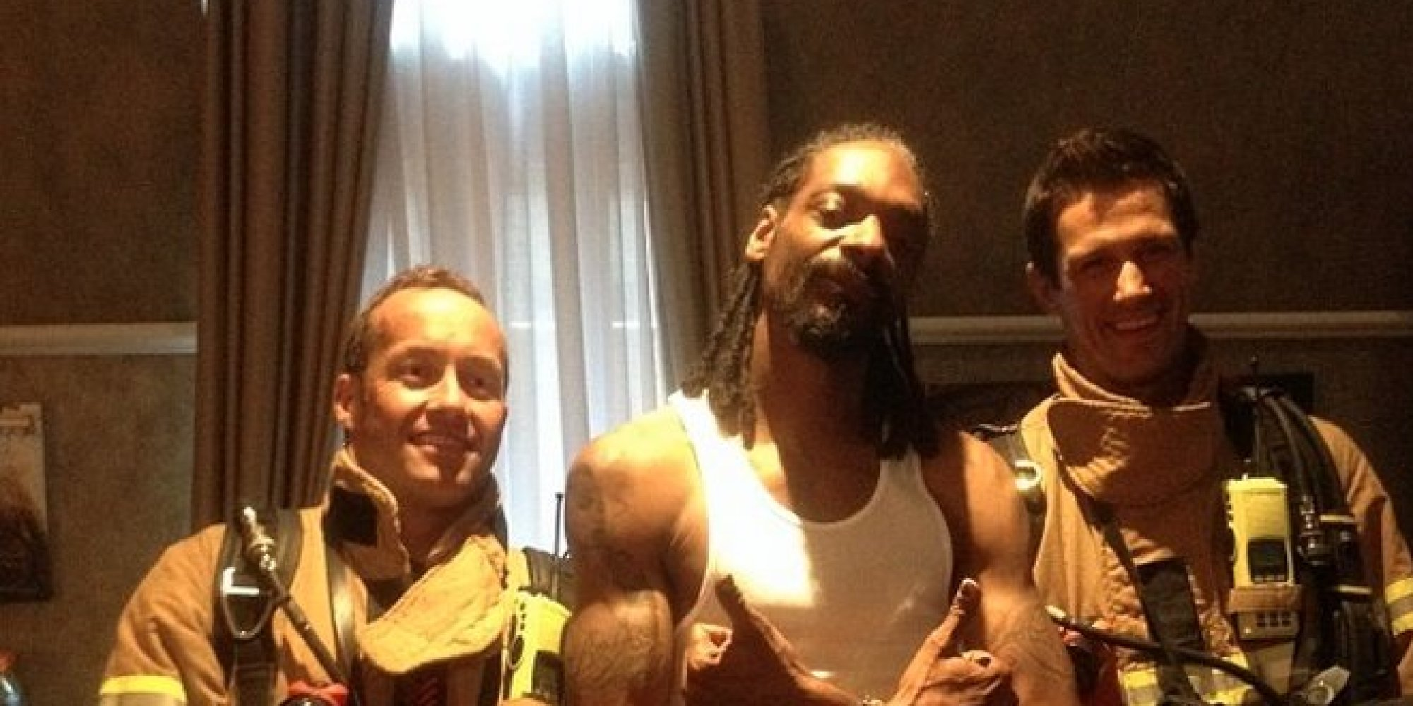 Snoop Dogg Visited By Firefighters After He Sets Off Smoke