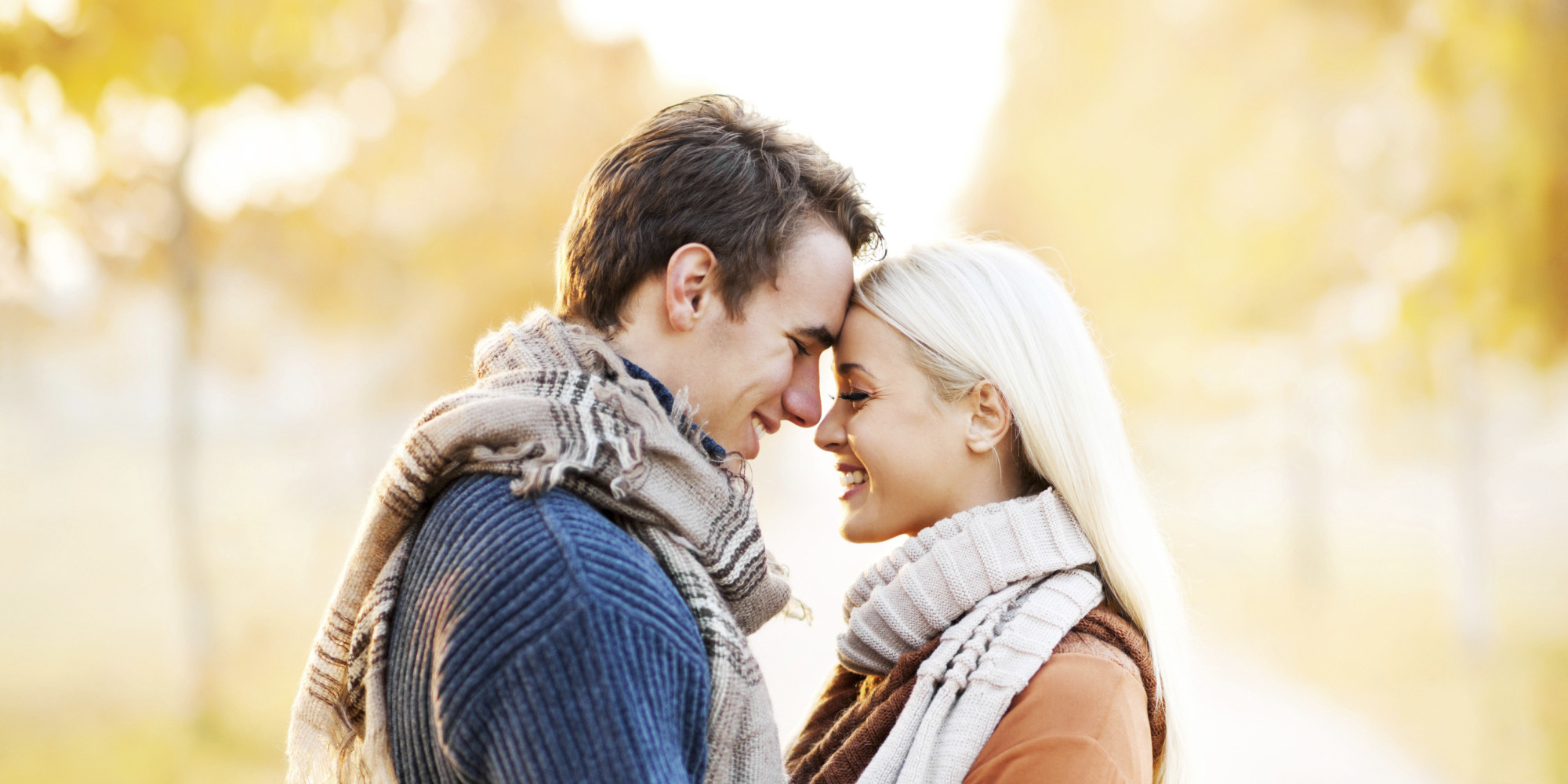 A Girl Proposing A Boy Wallpaper 10 Differences Between Finding Love In A Romance Novel And