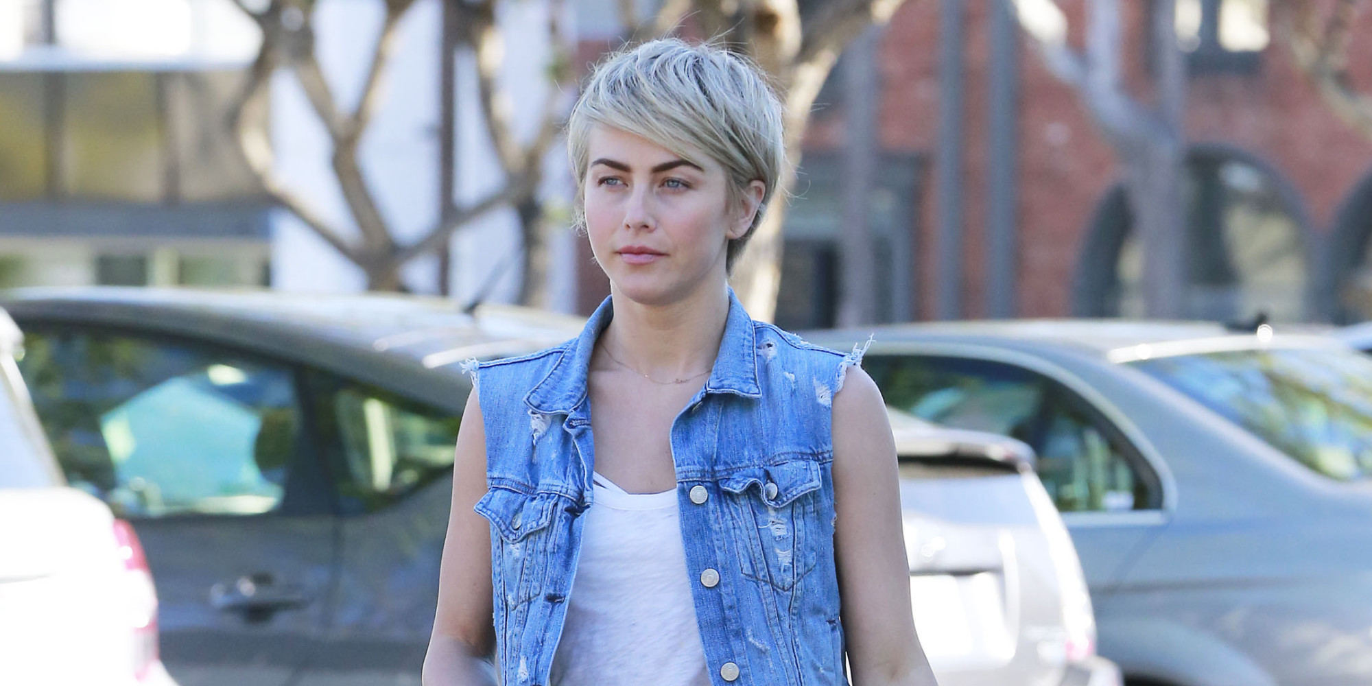 Julianne Hough Whips Out Her Short Shorts Just In Time For