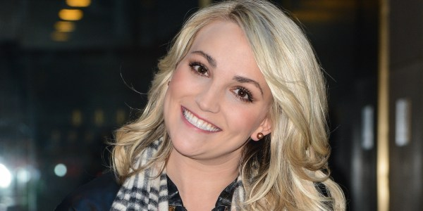 Jamie Lynn Spears' Wedding Dress Transforms