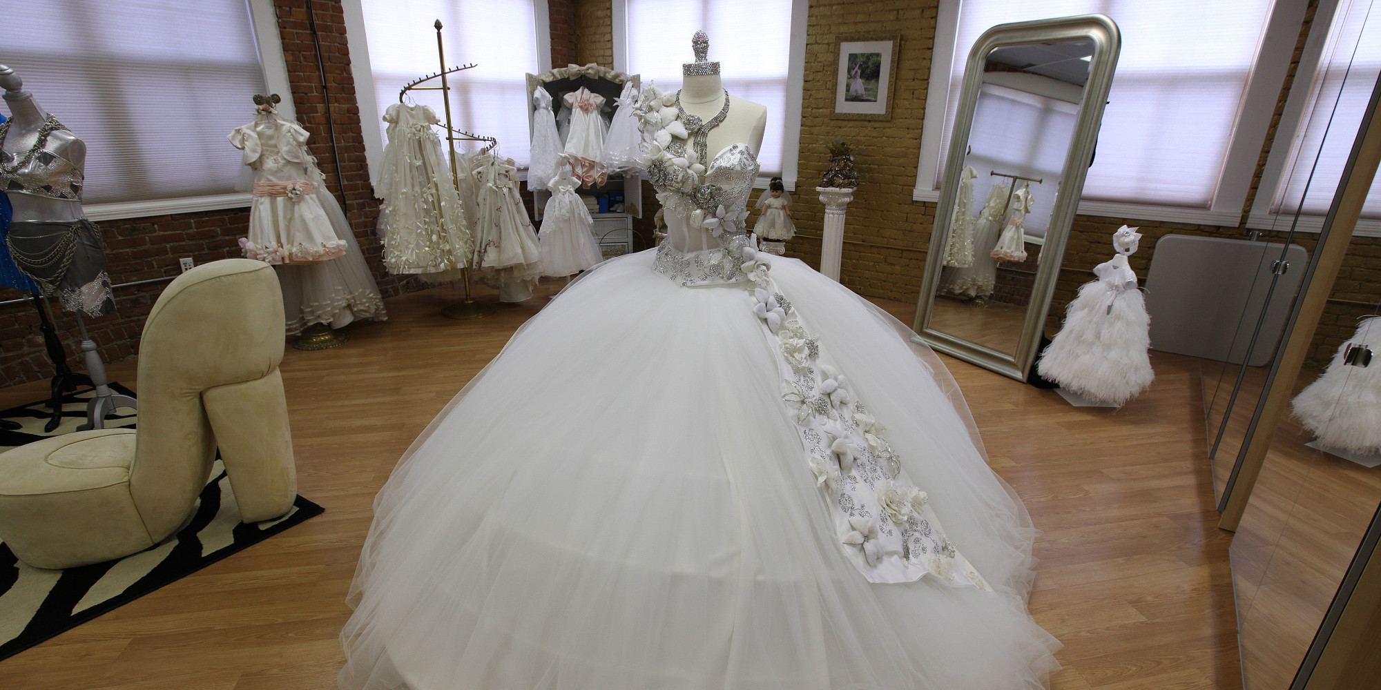 80Pound Wedding Dresses Bedazzled In Jewels This Gypsy Designer Has Seen It All  HuffPost